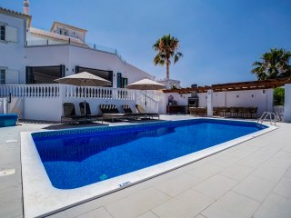 Casa do Sol - 4 bedroom luxury villa with pool and BBQ area, close to Carvoeiro