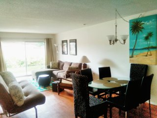 Close to Siesta Key, Updated, 2 Bedrooms King Beds, large patio. Unit #1
