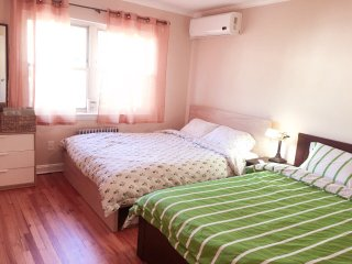 8-15 Vacation House 15 mins to Time Square with Parking Spot