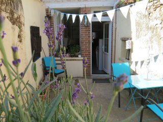 Gite in the heart of historic Bellac. Town house, sleeps 6 with garden.