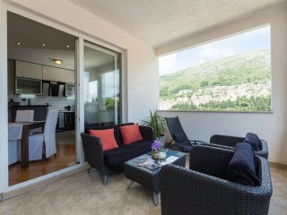 494 m from the center of Dubrovnik with Internet, Air conditioning, Terrace, Gar