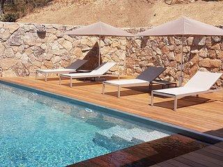Villa d'architecte vue mer piscine chauffee 8 pers