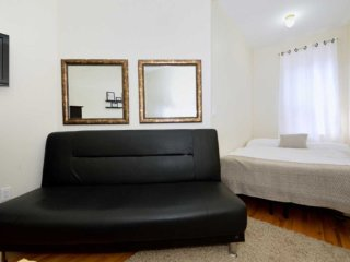 Cozy 5 beds Times Square Apartment (8233)