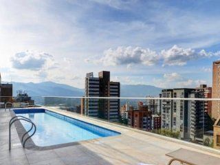 POBLADO LUXURY APARTMENT
