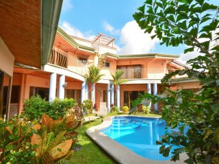 Villa Arenas - Tropical House with Private Pool - Center of Jaco!!!
