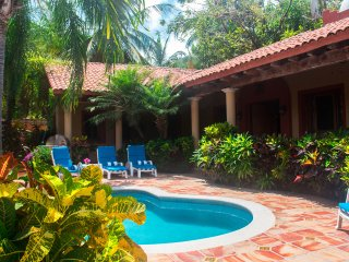 Casa de Miel - Short walk to center of town and the beach - San Pancho