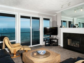 *Promo!* - Top Floor Oceanfront Condo - Indoor Pool, Hot Tub HDTV, WiFi & More!
