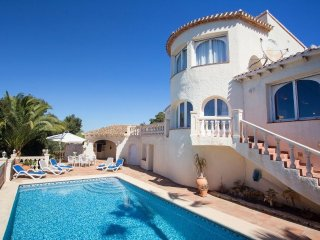 Spacious villa in Balcón del Mar with Internet, Washing machine, Air conditionin