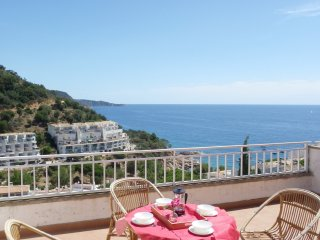 2 floor apartment with beautiful sea and mountain views ref. ROMA