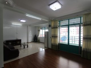 Short term stay in Downtown Yangon, Nice and clean apartment close to shops