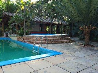 maison terrasse en hauteur vue sur la jungle, acces piscines/ aire de loisir
