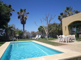Wonderful Villa Collioure, Garden, Pool, Barbecue area, Sea views......
