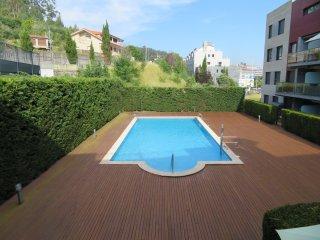 Apart a 250 m de Playa Ladeira en Baiona, piscina, garaje,  supermercado al lado