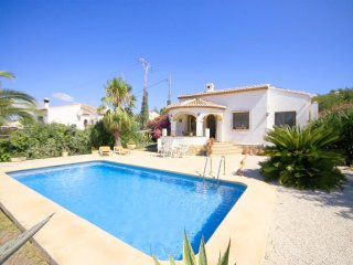 Spacious villa in Panorama with Internet, Washing machine, Pool
