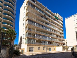 Spacious apartment a short walk away (165 m) from the 'Cala Calalga' in Calp wit