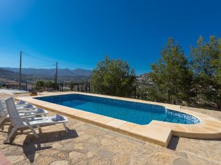 Spacious villa very close to the centre of Benissa with Internet, Washing machin