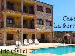 La Serrana 12plazas,patio,garaje,piscina,barbacoa