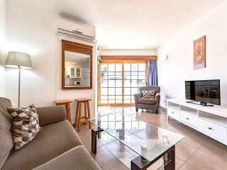 wonderful 2 bedroom apartment near Playa Fanabe