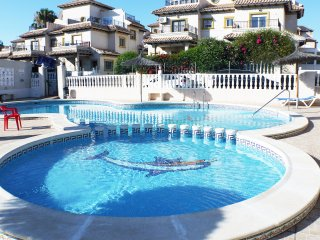 La Zenia Beach Central Holiday Apartment- FREE,  WIFI  UKTV, A/C  (Licenced)