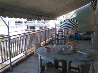The Lovely Summer Terrace apartment in the Athens centre, Free Airport Transfer