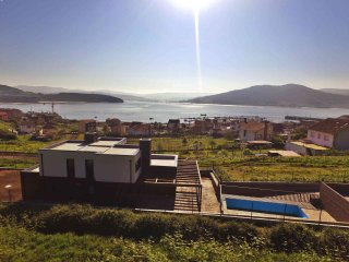 Ref. 11860 Lujoso chalet con piscina y vistas al mar