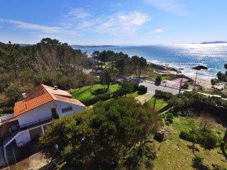 Ref. 11845 Apartamento en frente de la playa de Raeiros