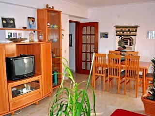 Just2book - Quarteira Excellent T2 Apartment, near traditional market and beach