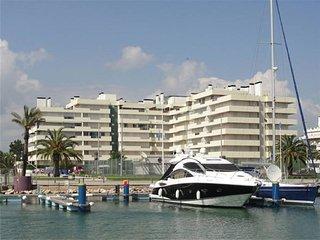 Just2book - Luxury apartment in private condominium, with pool
