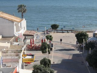 """Just2book- Apartment with view beach/sea Olhos d""""Agua T1C"""