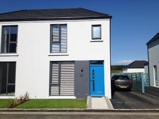 3 Bed Modern Portstewart Semi-Detached House, vacation rental in Portstewart