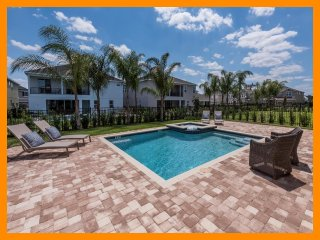 Encore Resort 1 - Exclusive villa with private pool and home theater near Disney