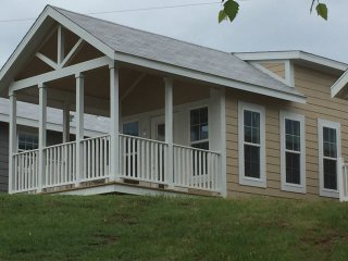 Cottage 9, 1 BR Tiny Home w/loft on Lake Norman, 1 of 12