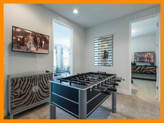 Encore Resort 305 - 5 star villa with private pool and free shuttle to parks