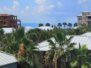 BEAUTIFUL 3 BDRM HOME SLEEPS 10! OPEN SPRING BREAK! STEPS TO ROSEMARY BEACH!!
