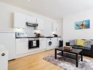 Cosy 2bed flat, 4 min walk from Hammersmith tube