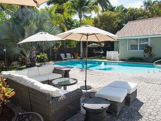 Hollywood Beach - Elegant 4BD/3.5BA Home