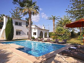Spacious villa in Dénia with Internet, Air conditioning, Pool
