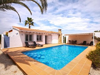 Spacious villa in the center of Balcón del Mar with Internet, Washing machine, A