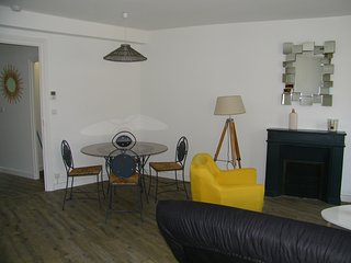 App 49 m2 rénové intra muros. Linge fourni