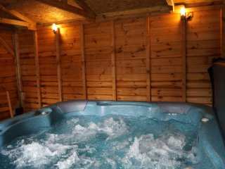 The Old Stables Indoor Hot Tub Nr Cardigan Bay West Wales Countryside Bolthole