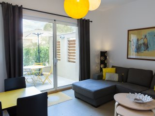 Cozy apartment with private patio / La Maison des Vendangeurs 2