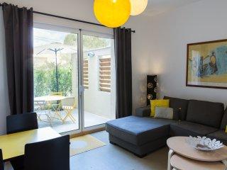 La Maison des Vendangeurs 2 / Cozy apartment with private patio