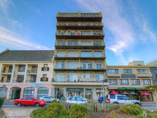 Beach View apartment Strand 40 mins from Cape Town