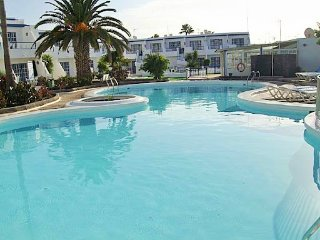 PdC flat 2, great location, wifi, TV, pool&beach