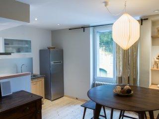 La Maison des Vendangeurs 2 / Beautiful apartment with shared garden