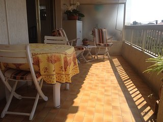 Comfortable 3 rooms apartment, 200 meters from the sea
