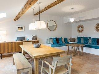 La Maison des Vendangeurs 2 / Superb apartment with shared garde