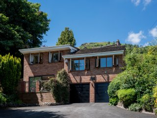Woodlands Luxury Holiday Home, Central Malvern, Sleeps 8