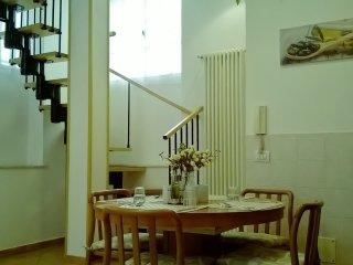 CASA TOLSTOI - free WIFI - Moda-Navigli-Centro