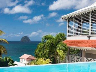 Villa de standing, plage accessible à pieds (200m), vue mer à 180°